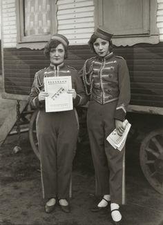August Sander. Usherettes. 1926-32