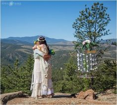 Outdoor, mountainside destinations (think Pacific Northwest) are the top choice for eloping couples. Searches for mountainside elopements YoY. 2017 Wedding Trends, Wedding 2017, Wedding Bride, Fall Wedding, Wedding Venues, Plan Your Wedding, Wedding Planning, Printed Bridesmaid Dresses, Denver Wedding Photographer