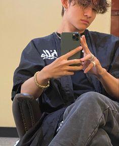 Behind the scenes of my hair process💇🏼♂️ Seventeen Samuel, Drama, Korean Bands, Seungkwan, Going Crazy, Boyfriend Material, Cute Guys, My Hair, Beautiful Men