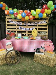 Baby animals farm birthday parties 58 Ideas for 2019 Party Animals, Farm Animal Party, Farm Animal Birthday, Farm Birthday, Farm Themed Party, 2nd Birthday Party Themes, Cowboy Birthday Party, Barnyard Party, Birthday Banners