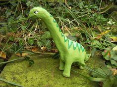 Dinosaurier aus Pappmache  (Basteltipp Nr. 18)