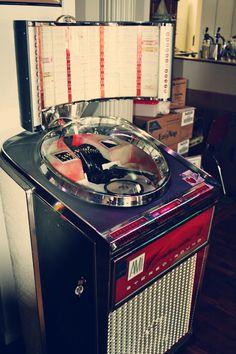 Vintage Juke Box! @stangoscoffee