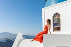 Santorini Photographer, Wedding Photography in Santorini Santorini Honeymoon, Santorini Wedding, Santorini Greece, Santorini Photographer, Photographer Wedding, Photography Tours, Wedding Photography, Things To Do In Santorini, Photoshoot
