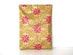lucky heartic clover wrapping paper