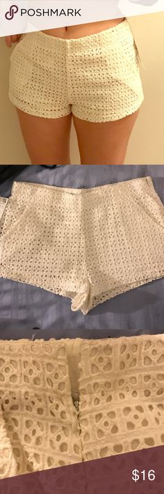 Off White Crochet lined Zara Shorts Off-white Crochet Zara shorts with a high waist. Shorts feature an underlining, a zipper on the side to get them on and off and they're NWT. Zara Shorts