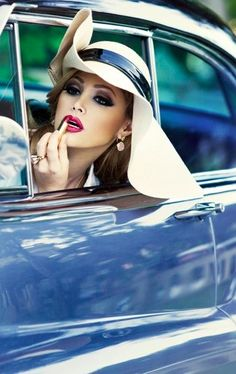That ga style summer's drive to garden party acres down lbv ♥ ✤ beauty Up Imagenes, Estilo Glamour, Photo Vintage, Estilo Retro, How To Pose, Mode Vintage, Vintage Glam, Car Girls, Pin Up