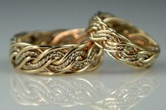 Two-Tone Braided Wedding Rings handmade by artist Todd Alan Celtic Wedding Rings, Celtic Rings, Wedding Rings Simple, White Gold Wedding Bands, Beautiful Wedding Rings, Unique Rings, Do It Yourself Fashion, Wedding Ring Designs, Vintage Engagement Rings