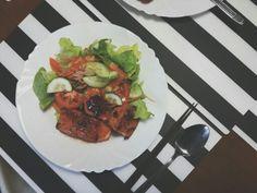 Grill salmon korean sauce with salad