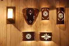 Apliques Exterior Wall Light, Interior And Exterior, Lamp Design, Lighting Design, Ceramica Exterior, Clay Wall Art, Bamboo Crafts, Ceramic Light, Gardens