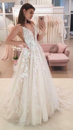 V Neck Wedding Dress, Cute Wedding Dress, Wedding Dress Trends, Dream Wedding Dresses, Boho Wedding, Bridal Dresses, Bridesmaid Dresses, Natural Wedding Dresses, Prettiest Wedding Dress