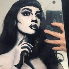 Lil video of last nights makeup in action! THIS IS ALL MAKEUP 🙌 Never tried a black and white pop art look before so decided to give it… Pop Art Makeup, Sfx Makeup, Makeup Ideas, Black And White Makeup, Black And White Bodies, Halloween Costunes, Halloween Makeup Looks, Comic Book Makeup, White Face Paint