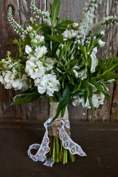 Love the burlap and lace on the bouquet!