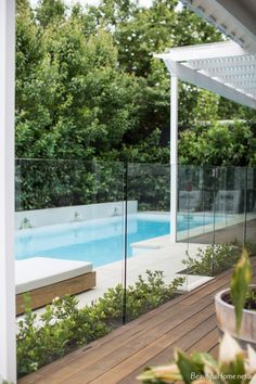 ideas for garden pool area patio Outdoor Spaces, Garden Architecture, Beautiful Homes, Swimming Pool Designs, Pool Houses, Pool Area, Glass Pool Fencing, Glass Pool