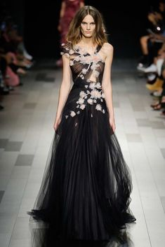 MARCHESA COUTURE BLACK ONE SHOULDER TULLE GRECIAN GOWN.  marchesa  cloth   Fashion  Show c3e1f6f63
