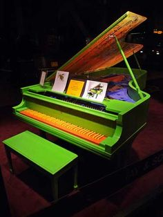 Ha ha ha ha...I have this one somewhere too...it's a Chihuly piano!!! Seattle Photo Gallery Fun Stuff