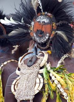 Papua New Guinea | The elaborate adornment of a Wewak tribal dancer © Vincent Ross