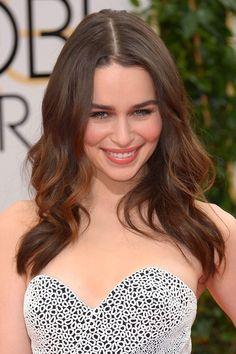 Emilia-Clarke_glamour_12jan14_rex_b_592x888.jpg (imagem JPEG, 592 × 888 pixels)
