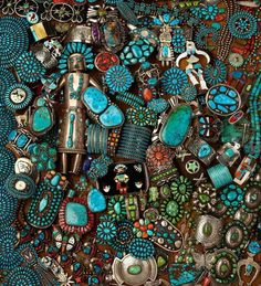 Turquoise Jewelry Native American Dozens of photos of hundreds of turquoise pieces. A surfeit of eye candy! Ethnic Jewelry, Indian Jewelry, Boho Jewelry, Jewelery, Silver Jewelry, Vintage Turquoise Jewelry, Navajo Jewelry, Gold Jewellery, Silver Rings