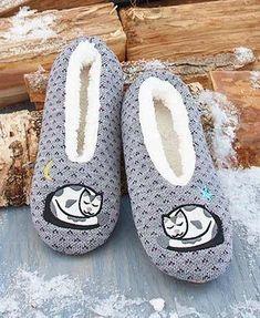 c4c36e5604b6 25 Marvelous Mens Slippers Video Game Mens Slipper Socks Non Skid   shoelover  shoesmen