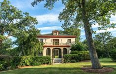 This magnificent Tennessee mansion has beautiful views, inside and out. Modern Log Cabins, Sims House, House Tours, Beautiful Homes, House Plans, 1920s, Real Estate, Exterior, House Design