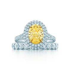 Tiffany Soleste® Oval