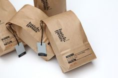 Packaging created using eco-friendly materials is both beautiful identity branding and socially responsible. Small Batch Roasters is a speciality coffee roaster located in North Melbourne. Craft Packaging, Food Packaging Design, Paper Packaging, Coffee Packaging, Coffee Branding, Packaging Design Inspiration, Chocolate Packaging, Bottle Packaging, Coffee Label