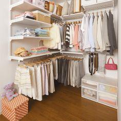 浴衣はスカート用ハンガーで、帽子は壁かけ収納もあり!