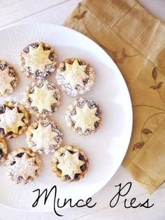 Adorable, Christmas-ready mincemeat pies. | 23 Classic British Dishes To Keep You Warm Through The Long, Dark Winter