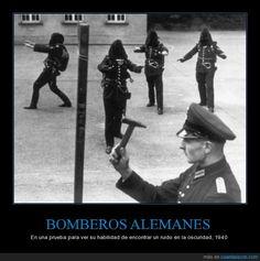 BOMBEROS ALEMANES - En una prueba para ver su habilidad de encontrar un ruido en la oscuridad, 1940