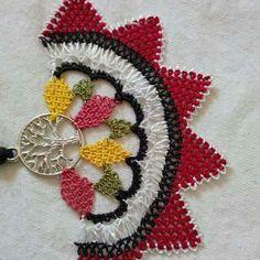 Needle Lace, Needlework, Elsa, Diy And Crafts, Crochet, Necklaces, Tejidos, Needlepoint, Rage