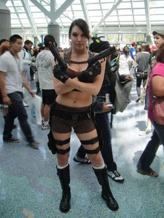Want to dress like Lara Croft for Halloween, cosplay, or a costume party? In this article, you will find tips on how to achieve Lara's signature look. Lara Croft Costume, Lara Croft Cosplay, Lara Croft Tomb, Tomb Raider Costume, Tomb Raider Video Game, Super Hero Costumes, Raiders, Pop Culture