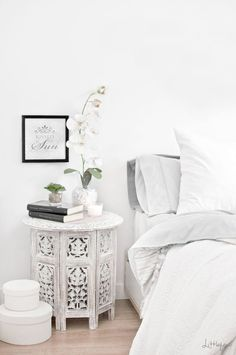 Moroccan themed home décor is similar to the Arabic style of adorning house based on more detailing. Like a royal Arabic style, the Moroccan themed bedroom decoration ideas are also comprised of dark colors and higher involvement of golden shade. Moroccan Home Decor, Moroccan Interiors, Moroccan Lanterns, Morrocan Table, Moroccan Style Bedroom, Moroccan Side Table, Indian Table, Moroccan Theme, White Furniture