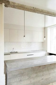 wood and concrete kitchen ++ interior dsgn Kitchen Inspirations, House Design, Interior Design Kitchen, Concrete Kitchen, House Interior, Home, Interior, Minimalist Kitchen, Kitchen Design