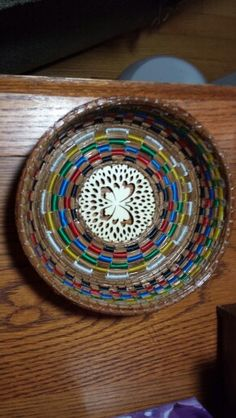 Round multi colored - $35 - Sold Pine Needle Crafts, Gourd Crafts, Pine Needle Baskets, Pine Needles, Gourds, Basket Weaving, Projects To Try, Tray, Handmade