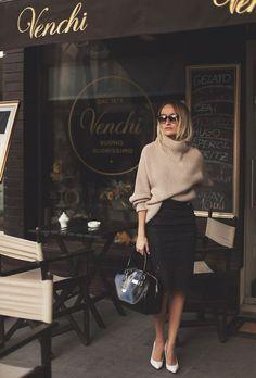オフィスファッションには必須の「ストッキング」はどこで購入していますか? 見た目、肌触り、価格、さまざまな商品の中からコスパの良いストッキングブランドをご紹介します。
