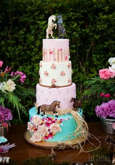 Horse Cake (just the floral layer or horseshoe layer) Cowgirl Birthday Cakes, Horse Theme Birthday Party, Cowgirl Cakes, Rodeo Birthday, Horse Party, Cowgirl Party, Birthday Cake Girls, 8th Birthday, Birthday Ideas