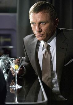 How to make a James Bond martini (but limit yourself to one) - Telegraph