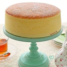 SugaryWinzy Soft and Light as Air Japanese Cheesecake Japanese Cheesecake Recipes, Fluffy Cheesecake, Baking Recipes, Dessert Recipes, Japanese Cake, Cocina Natural, Asian Desserts, Easter Desserts, Cheesecake
