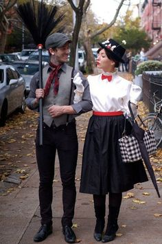 When it comes to Halloween, you could either do a solo costume, a group costume, or a couple's costume. Share the frightful night with your significant other with these cute couple's costumes for Halloween. Costume Carnaval, Hallowen Costume, Cute Costumes, Halloween Kostüm, Carnival Costumes, Holidays Halloween, Adult Costumes, Cosplay Costumes, Halloween Couples