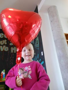 We are feeling the love today at Ronald McDonald House Charities! Our kids and families loved the homemade cards from Blue Cross and Blue Shield of Kansas City and Ark Animal Hospital, and our friends at UMB Bank just brought by a ton of balloons for our kiddos! Thanks for bringing a smile to all of our faces, including one of our favs, Macy!