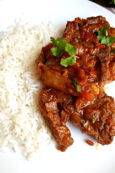 South African Lamb Chops Chutney Easy South African Dinner recipes that make the perfect comfort foods. These traditional South African food dishes and side dishes are simply too delicious to miss. South African Dishes, West African Food, South African Recipes, Mexican Food Recipes, Dinner Recipes, Oven Recipes, Lamb Recipes, Meatball Recipes, Grilling Recipes