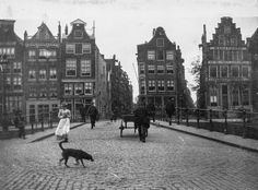 In the Dutch impressionist painter George Hendrik Breitner September 1857 – 5 June took his camera onto the streets of Amsterdam. Piet Mondrian, Van Gogh, Tales Of The Unexpected, Amsterdam City, Dutch Painters, City Landscape, World Cities, Dutch Artists, Life Photo