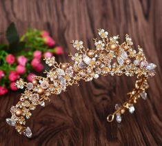 New Fashion Magnificent Pearl Crystal Bridal Crown Tiaras Classic Golden Diadem tiaras for Women Bride Wedding Hair Accessories