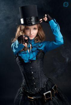 steampunktendencies:    Steampunk victorian girl by ~LahmatTea