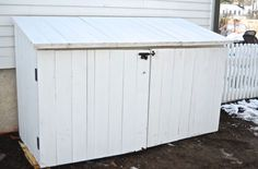Woodworking 101 Conceal unsightly garbage or recycling bins with this custom shed. With basic woodworking skills, build this in one weekend to hide unsightly trashcans. Garbage Can Shed, Garbage Can Storage, Shed Storage, Storage Bins, Pallet Storage, Storage Containers, Woodworking Projects, Woodworking Skills, Wood Projects