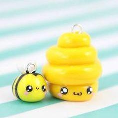 New #kawaiiFriday up now 🐝🐝🍯💕 Kawaii Bee friendship charms, yay!! 😍😄 #bee #honey