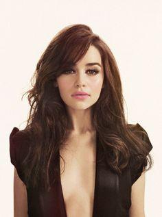 Emilia Clarke-pretty hair color / make up