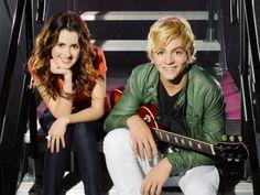 As principais estrelas do programa, da esquerda pra direita: Laura Marano como Ally e Ross Lynch como Austin.