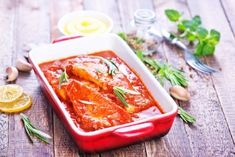 Protein-rich Tilapia is indigenous to Africa, so try these tantalizing dishes made with authentic African spices and ingredients. African Spices, Tilapia Recipes, Sauce Tomate, Fish And Seafood, Thai Red Curry, Tasty, Cooking, Healthy, Ethnic Recipes