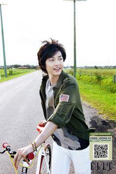 Song Joong ki : Elle atTV - Bike in Sydney, Australia (Star Velo: Song Hye Kyo, Song Joong Ki, Asian Actors, Korean Actors, Korean Dramas, Descendants, A Werewolf Boy, Sungkyunkwan Scandal, Hallyu Star